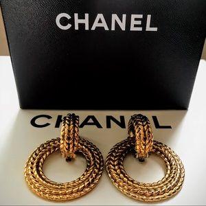 ‼️was $480‼️CHANEL Vintage  Clip On Earrings
